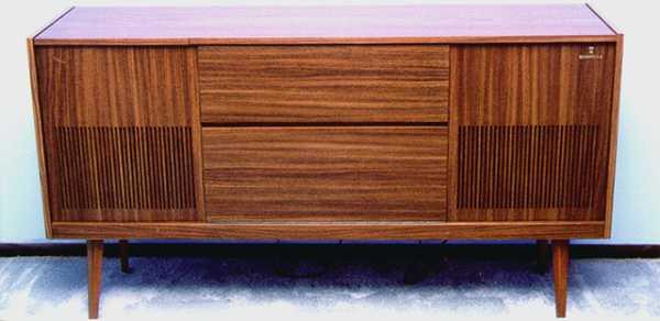 meuble radio grundig modele ks table de lit. Black Bedroom Furniture Sets. Home Design Ideas
